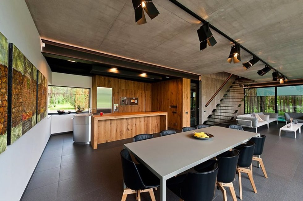 Country house of a family man - kitchen and dining room 2