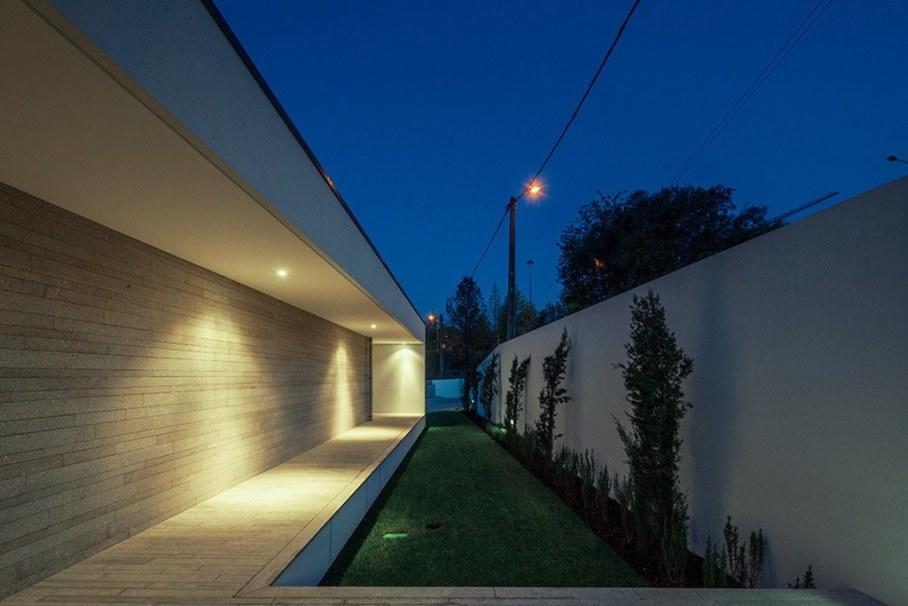 Уютный Дом Для Семьи С Детьми В Португалии-Courtyard 4