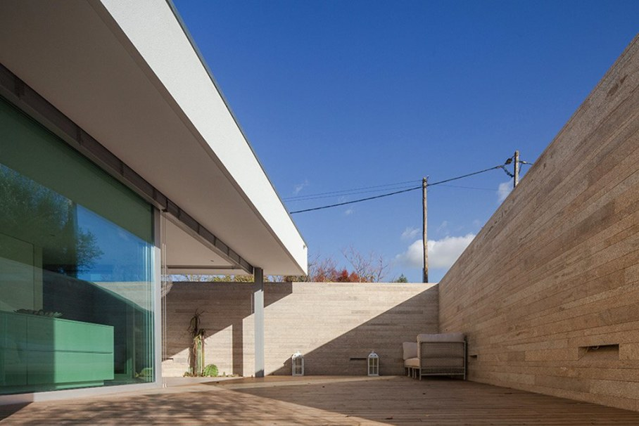Уютный дом для семьи с детьми в Португалии-открытая терраса 6