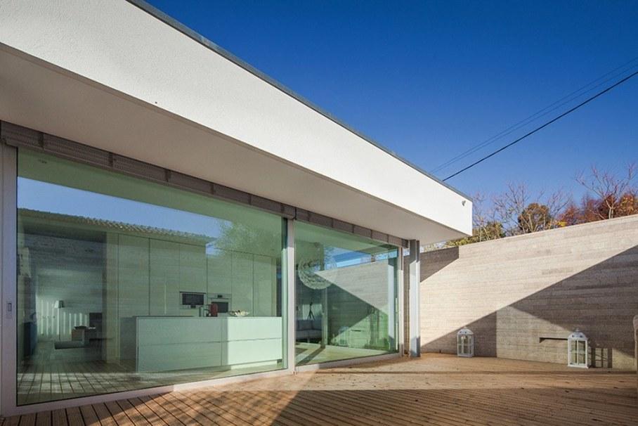 Уютный дом для семьи с детьми в Португалии-открытая терраса 7