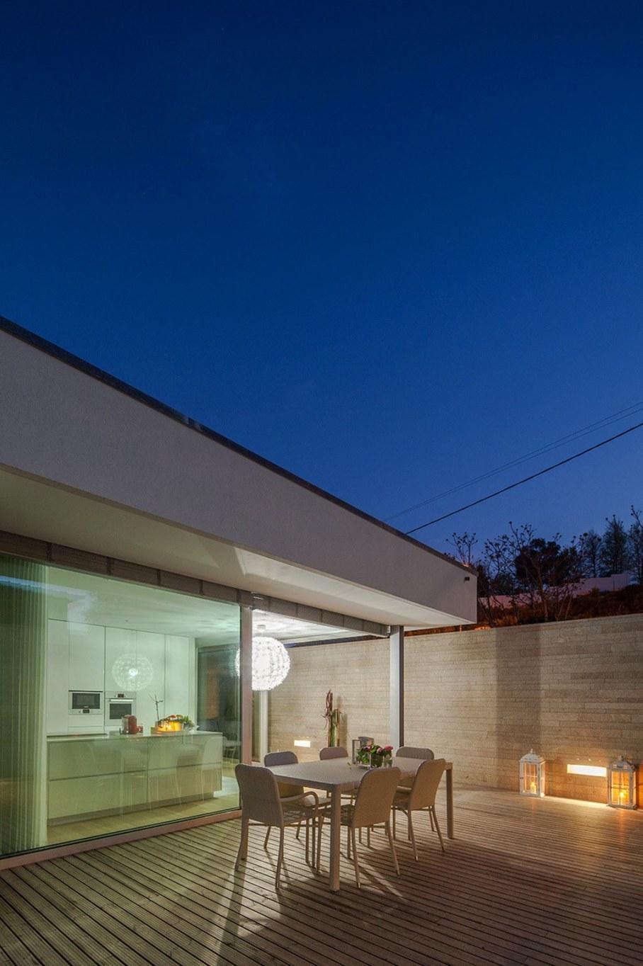 Уютный дом для семьи с детьми в Португалии-открытая терраса 9
