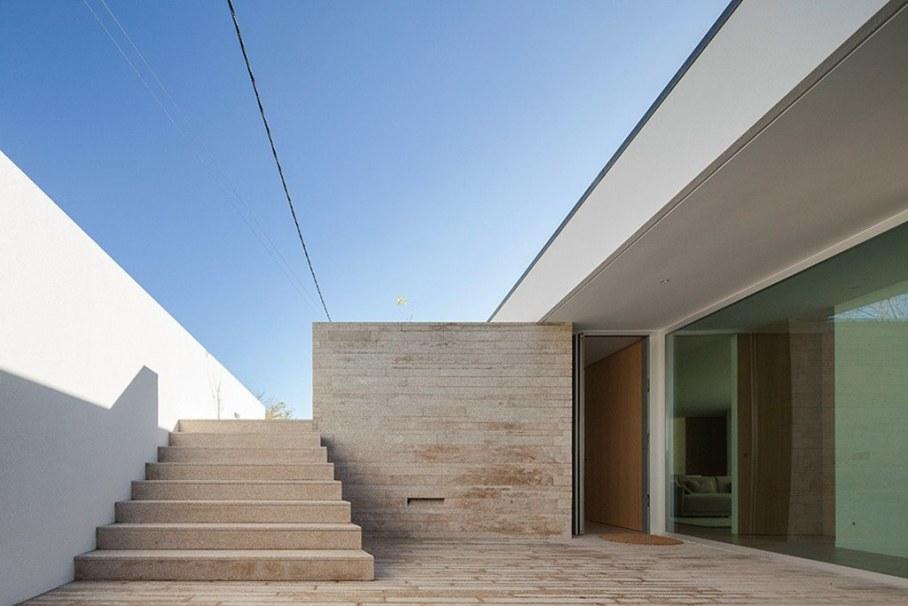 Уютный Дом Для Семьи С Детьми В Португалии-Лестница