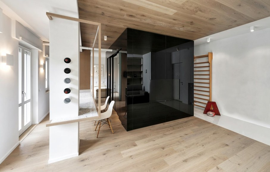 Cube House by Noses Architects studio 8