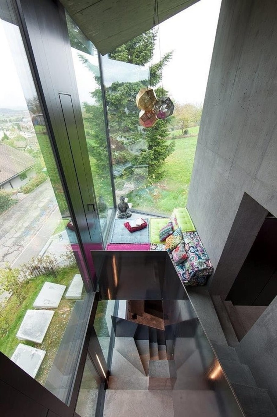 Design country house of glass and concrete 12