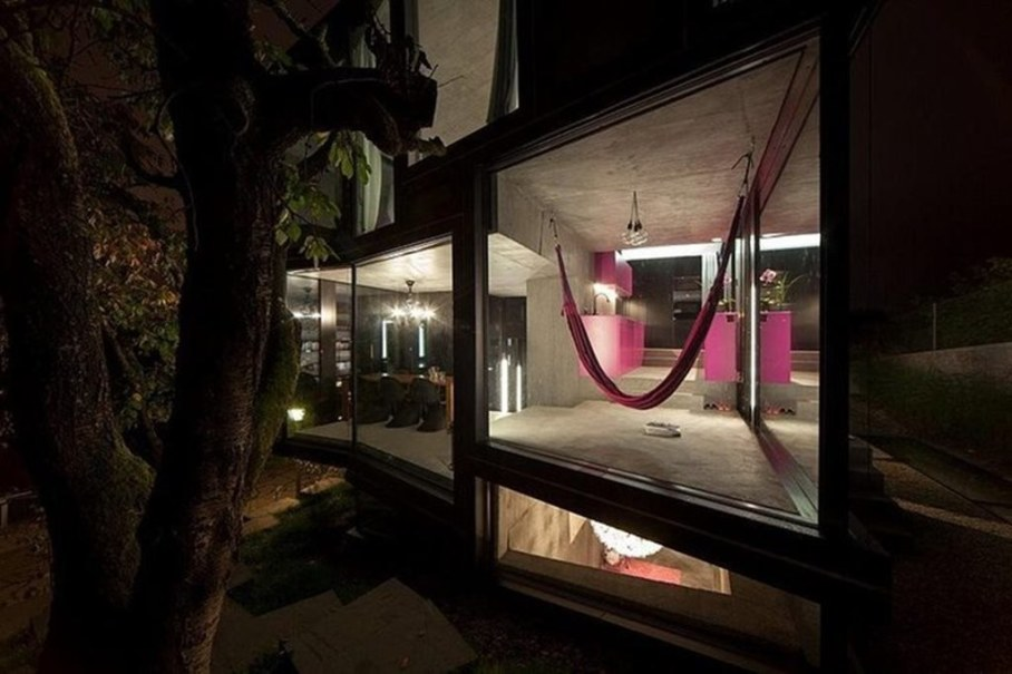 Design country house of glass and concrete 2