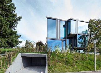 DesignofacountryhouseofglassandconcretebyLPArchitekten