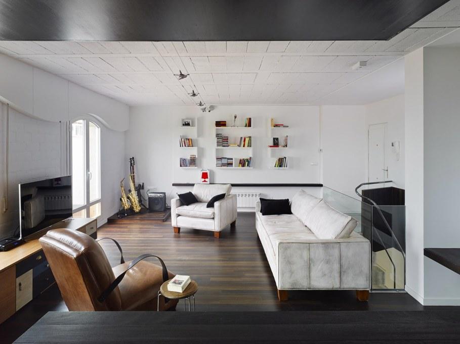 Duplex apartment by Ameneiros Rey HH Arquitectos in Spain 1