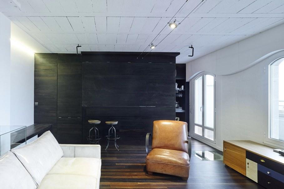 Duplex apartment by Ameneiros Rey HH Arquitectos in Spain 2