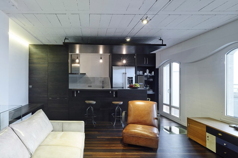 Duplex apartment by Ameneiros Rey HH Arquitectos in Spain 3