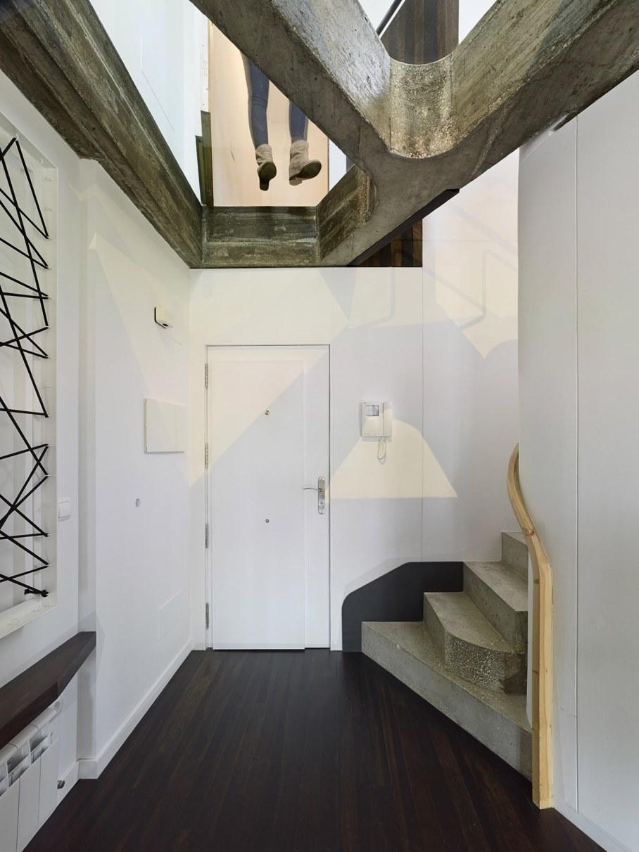 Duplex apartment by Ameneiros Rey HH Arquitectos in Spain 7