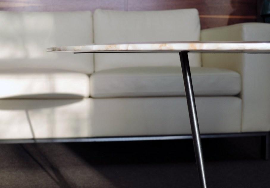ERO- a design laptop table - thin