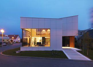 Environmentally friendly house by Lumar IG