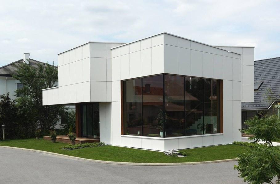 Environmentally friendly house by Lumar IG 14
