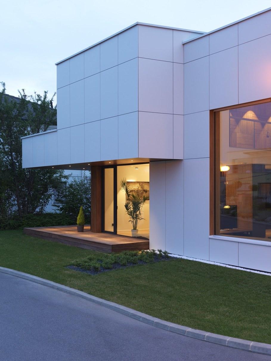 Environmentally friendly house by Lumar IG 3