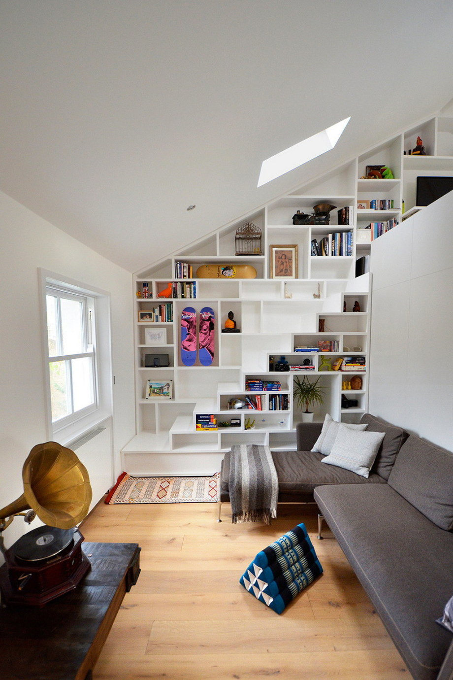 Functional loft for comfortable life and work in London 5