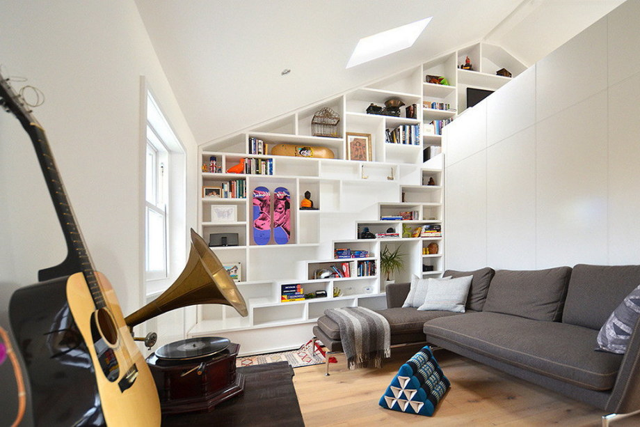 Functional loft for comfortable life and work in London 6