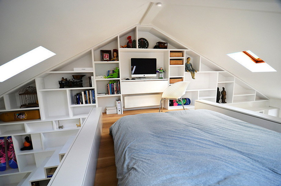 Functional loft for comfortable life and work in London 7