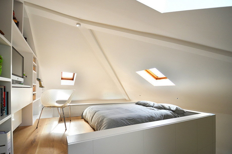 Functional loft for comfortable life and work in London 8
