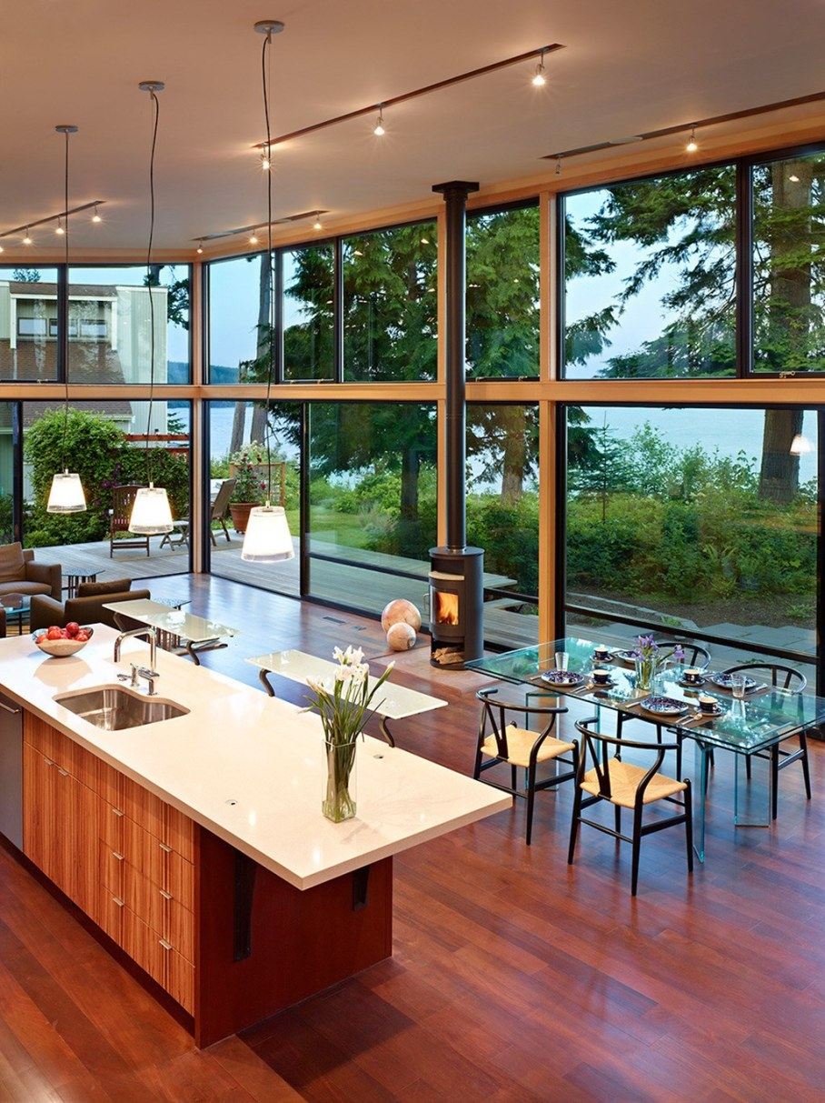 Glass Residence On The Creek Shore In Washington 3