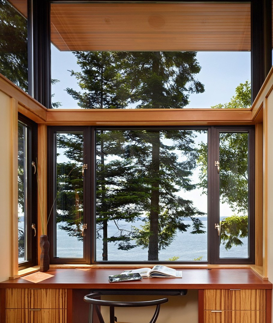 Glass Residence On The Creek Shore In Washington 5