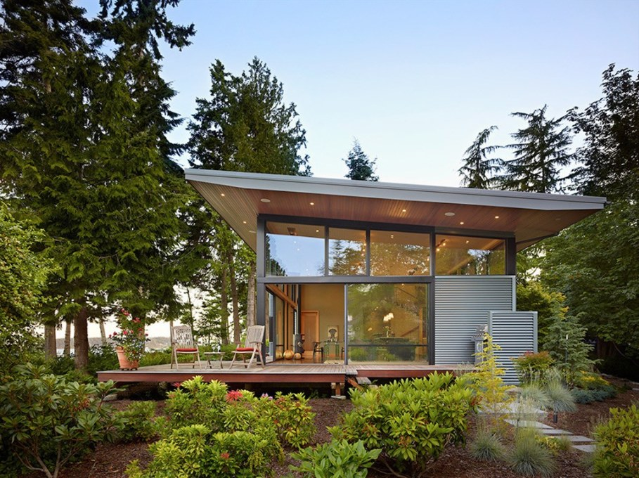 Glass Residence On The Creek Shore In Washington 7
