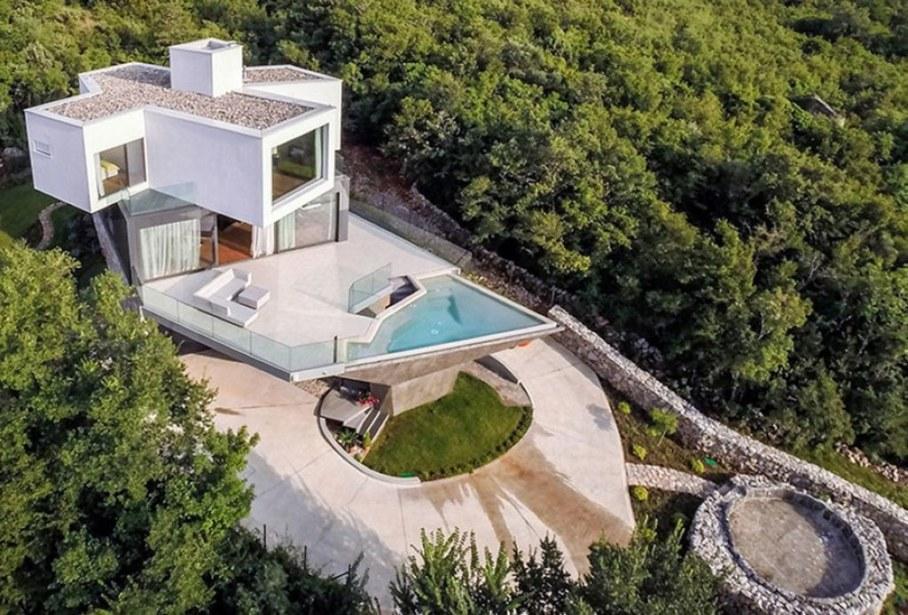 Gumno house - with unstandardized architecture