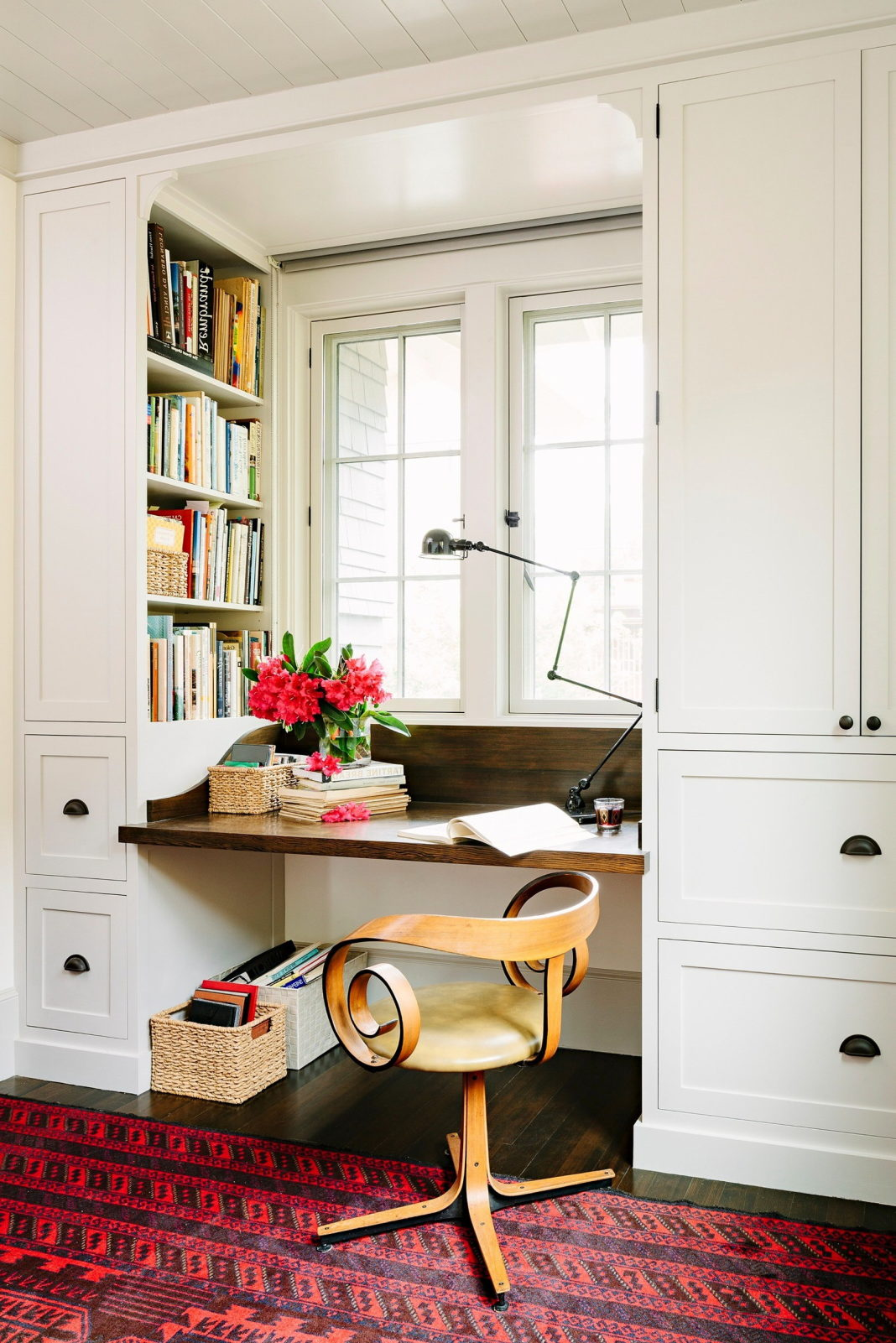 Library house from jessica helgerson interior design.