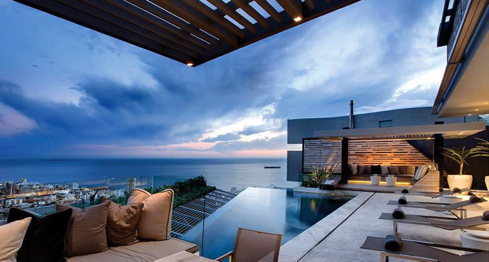 Luxury house Head Road 1843 with the ocean view by SAOTA studio 3