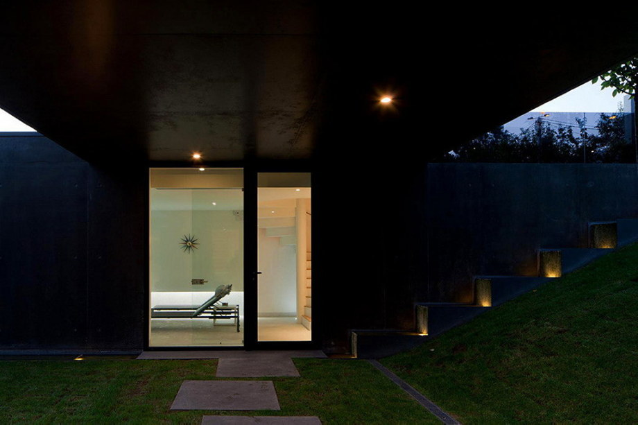 Mansion by Pitagoras Arquitectos in Portugal 26