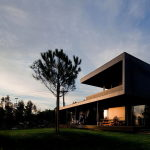 Mansion by Pitagoras Arquitectos in Portugal