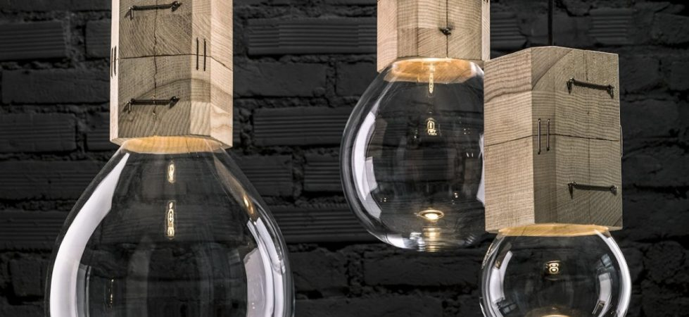 Moulds lamp in a classic form