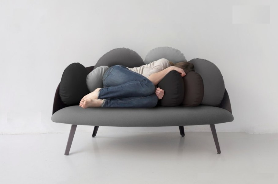 Nubilo - a miniature sofa in a cloud shape - comfortable