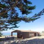 Plinth house by Land Arquitectos in Chile