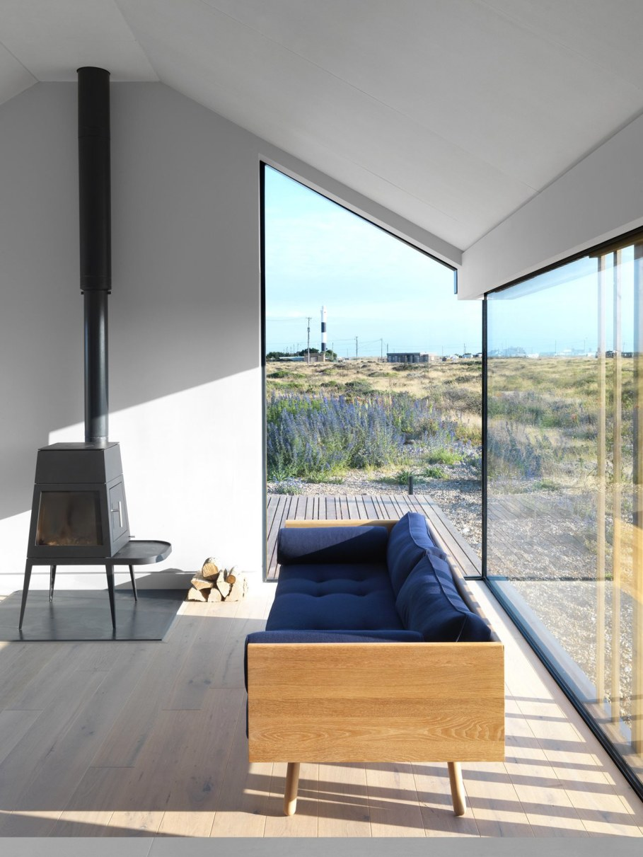 Pobble House by Guy Hollaway Architects - Fireplace
