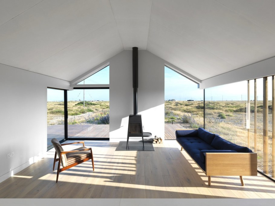Pobble House by Guy Hollaway Architects - Living room