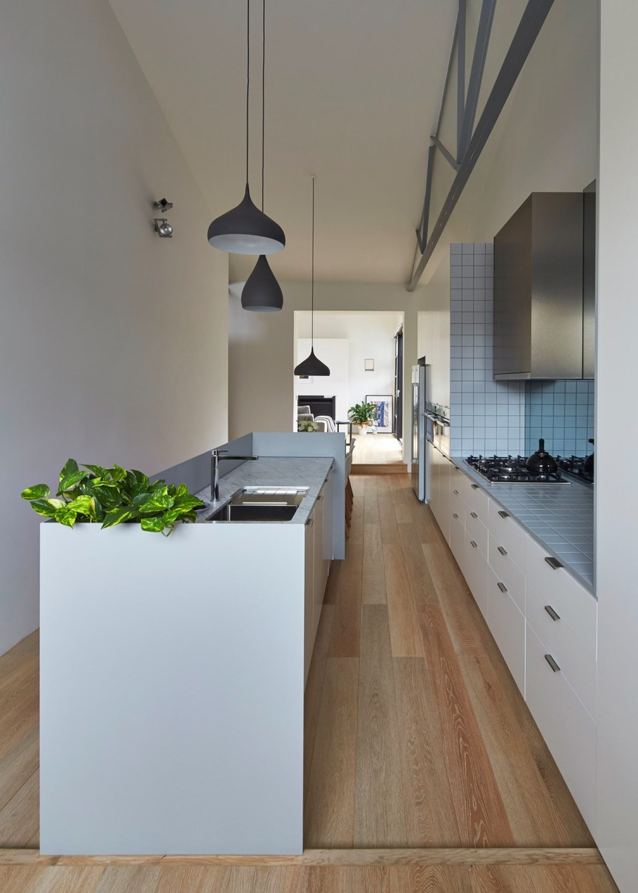 Reconstruction in favor of simplicity and openness - Kitchen