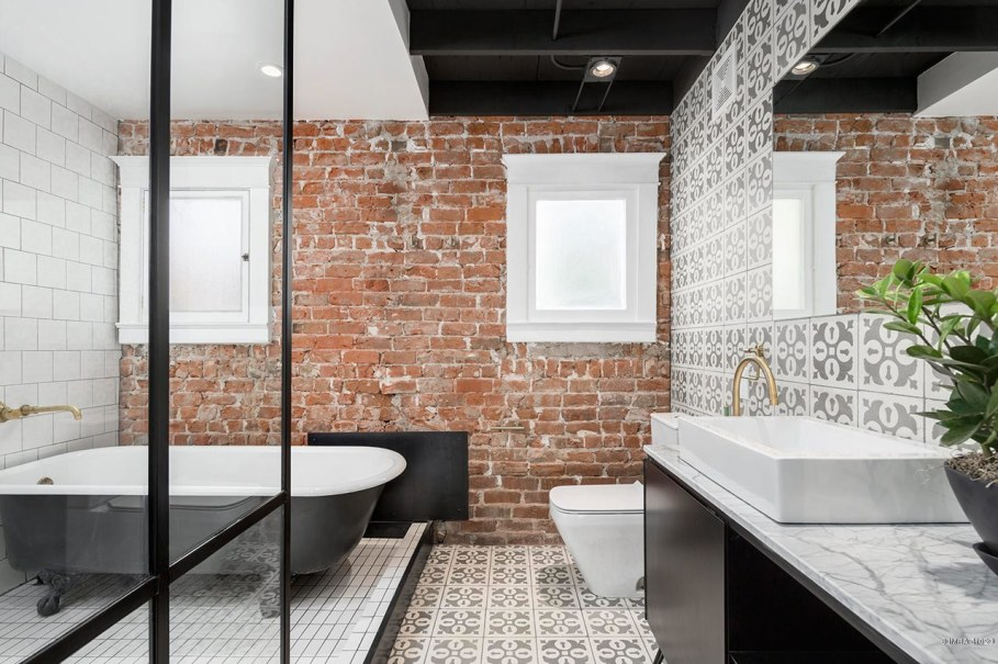 Restoration Of A Historical House in Phoenix - Bathroom
