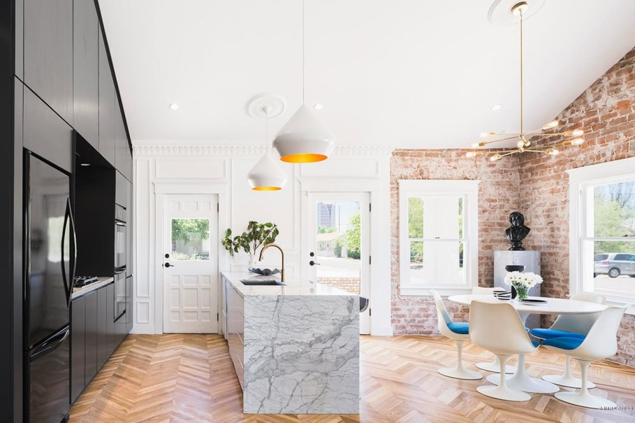 Restoration Of A Historical House in Phoenix - Dining place