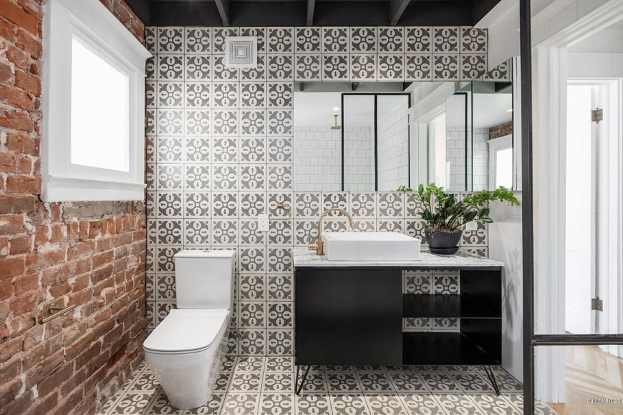 Restoration Of A Historical House in Phoenix - Washroom