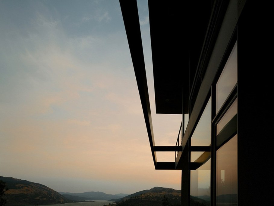 The House On The Hillside With A Marvelous View 1