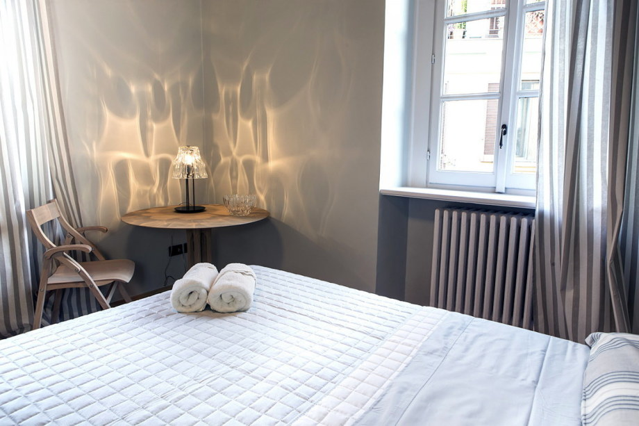 The apartment in the building of the XIX century in Milan - Bedroom