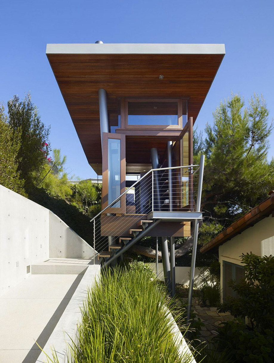 The art studio on a tree by Rockefeller Partners Architects 2