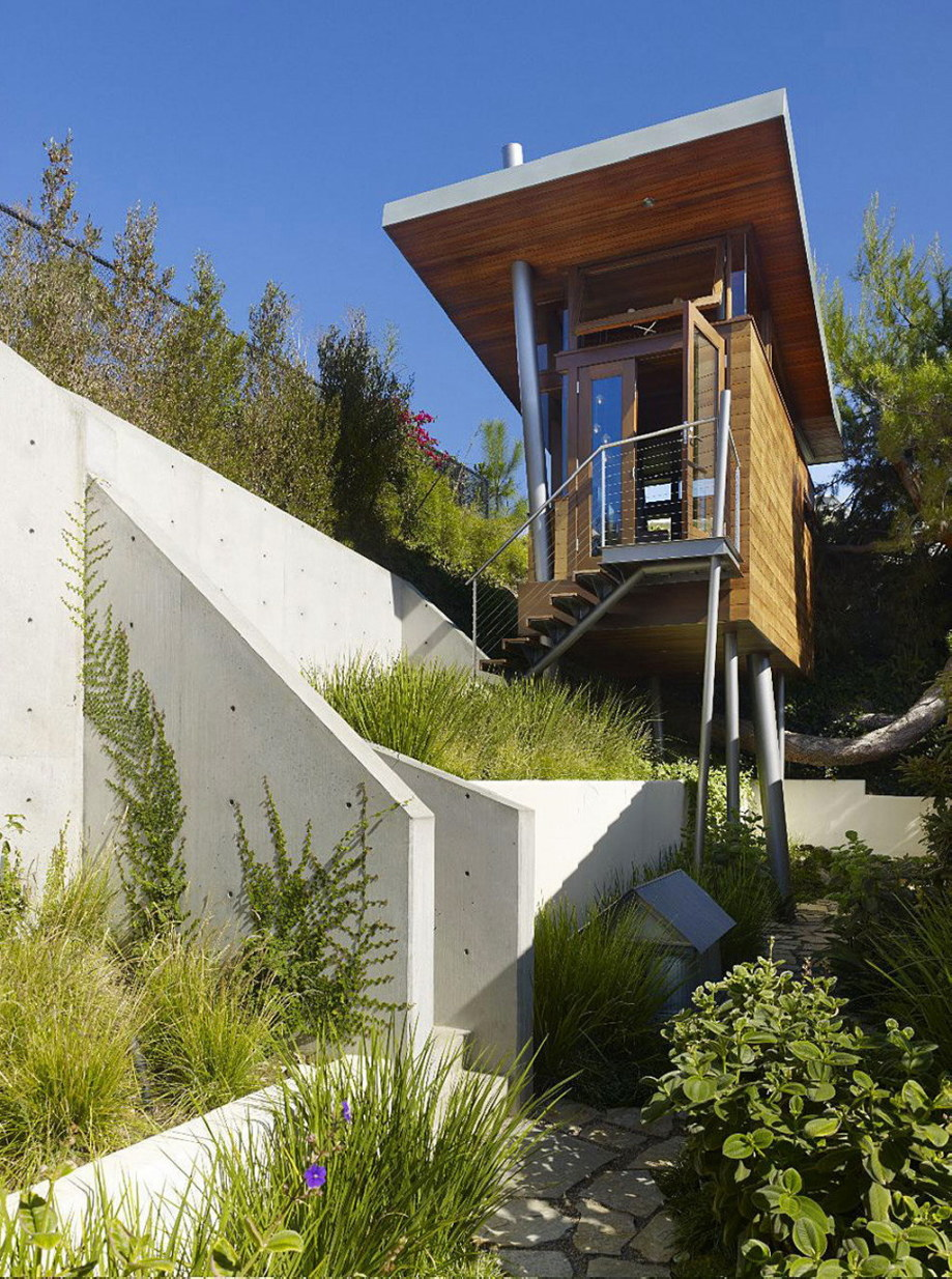 The art studio on a tree by Rockefeller Partners Architects 3