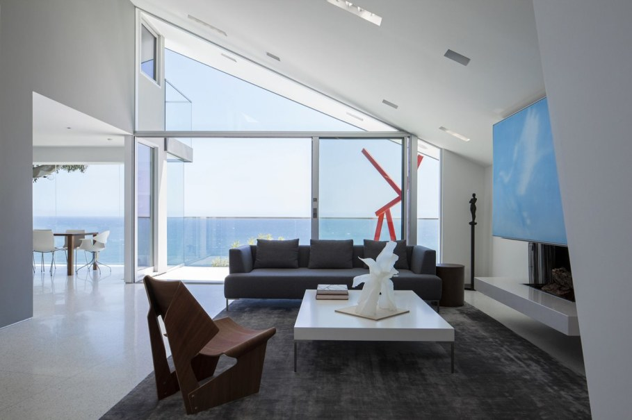 The energy-efficient house with views of The Pacific 1