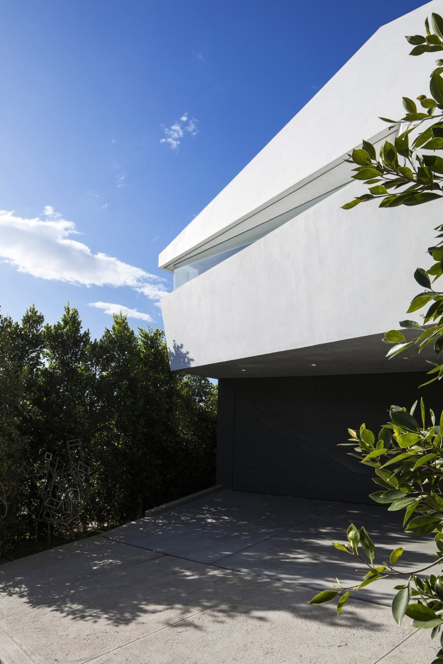 The energy-efficient house with views of The Pacific 16