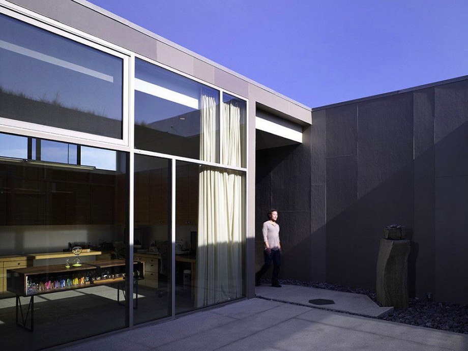 The house for family with children in Los Angeles 8