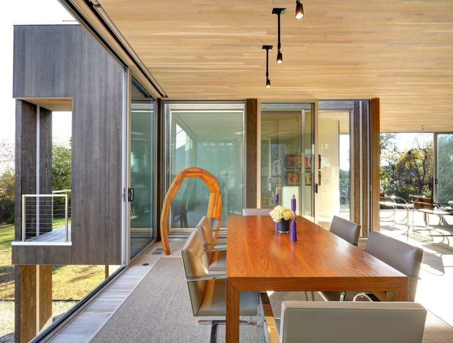 The house in East-Hemptone from Bates Masi Architects - Dining place