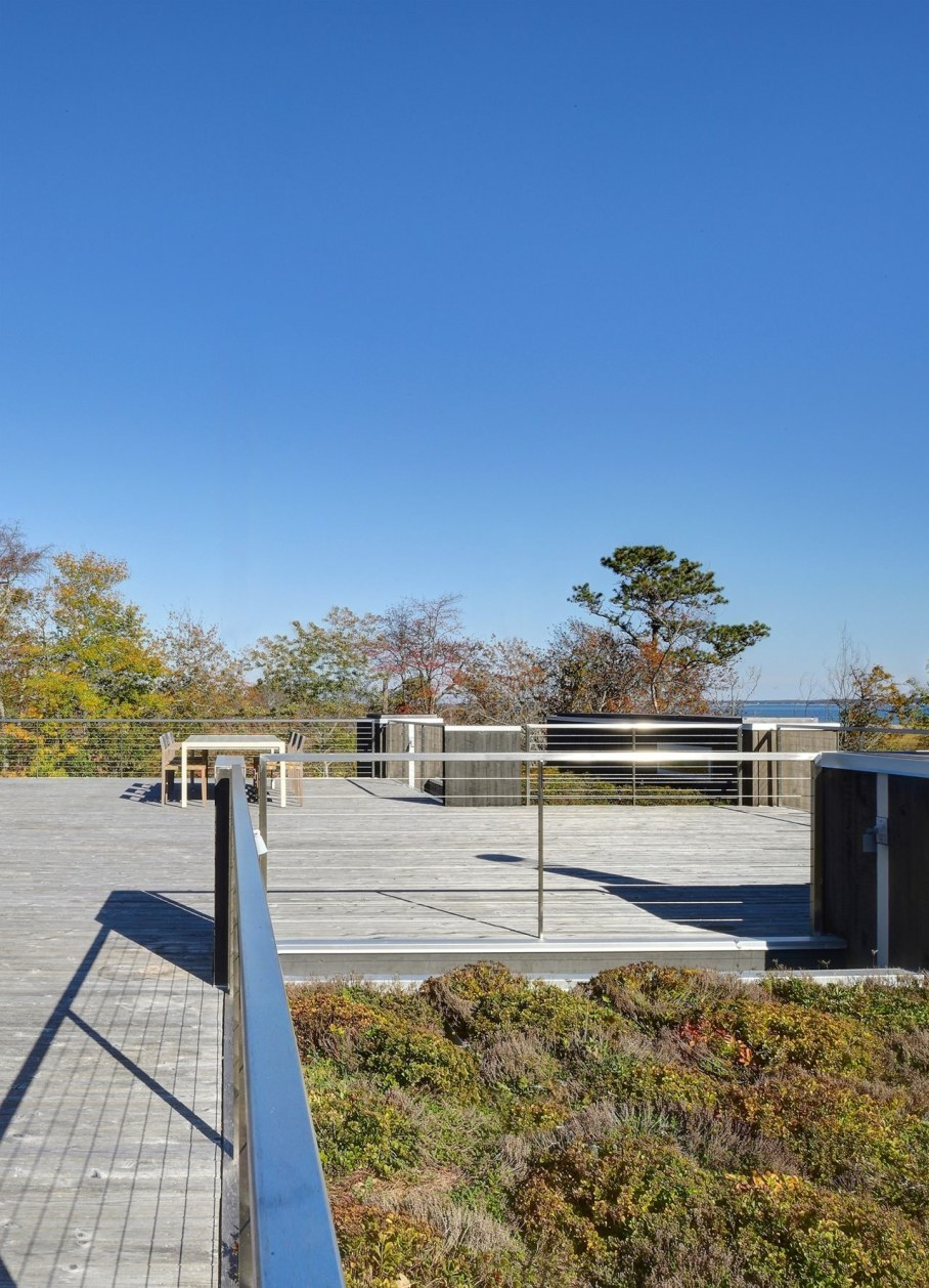 The house in East-Hemptone from Bates Masi Architects - Outdoor terrace