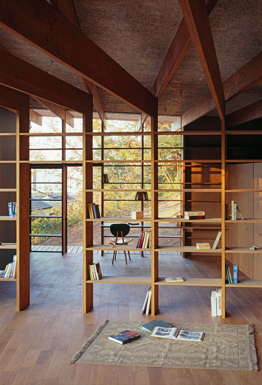 The house is on top of a ridge in Japan 10