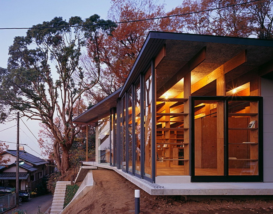 The house is on top of a ridge in Japan 5